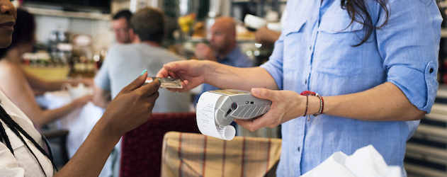 Why the Cashless Trend Doesn't Have All Shoppers Sold