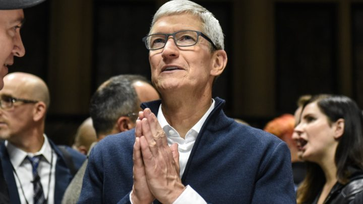 Gene Munster says Apple looks like a consumer-staple company