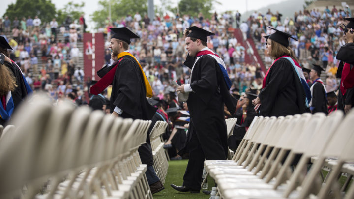 How to avoid this common and billion-dollar student-loan trap