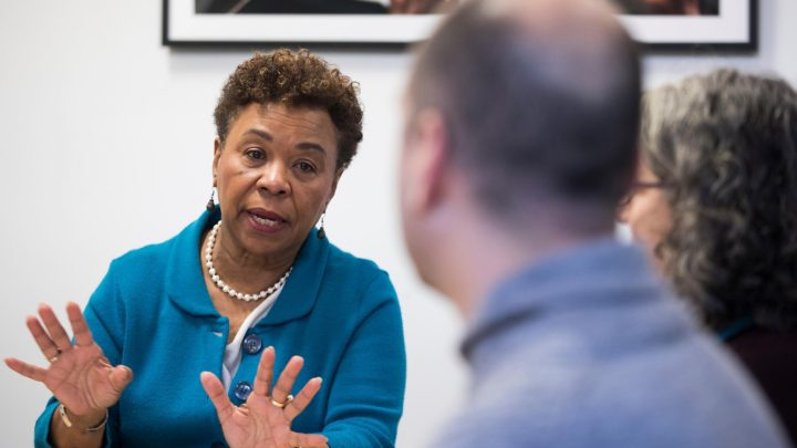 Federal workers give Rep. Barbara Lee of Oakland earful on shutdown's impact
