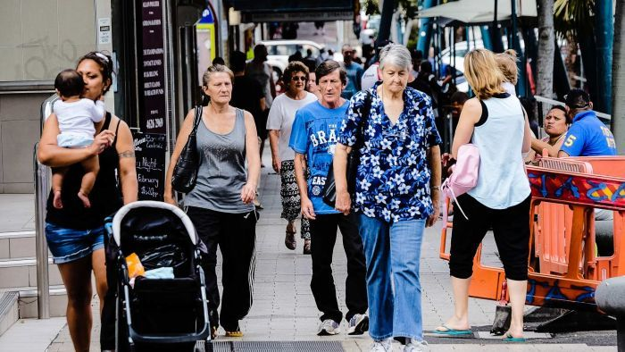 Pessimists back in charge as weak growth sinks consumer confidence