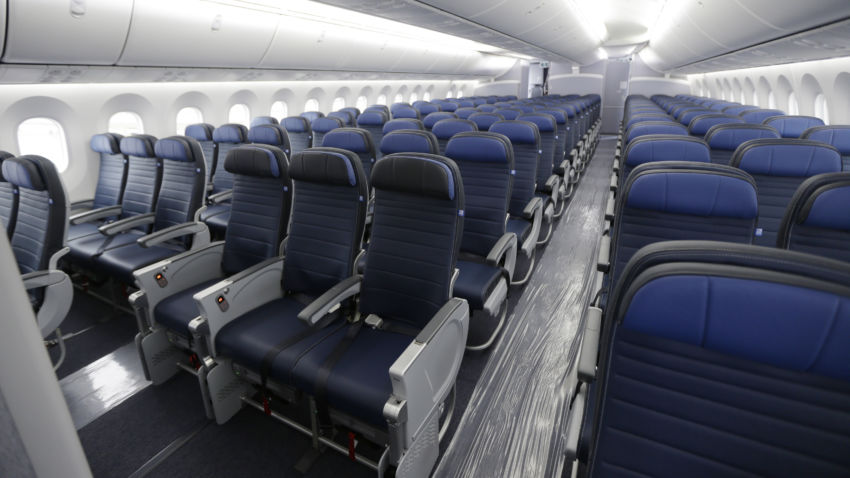 FAA aims to reset standards for planes' seats, but tests are disputed