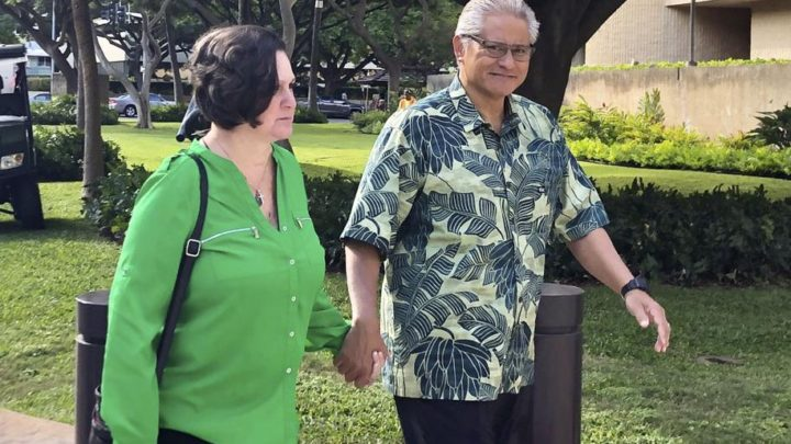 Ex-Hawaii prosecutor, police chief get prison for corruption | National News