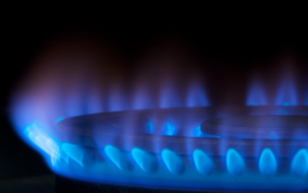 Natural gas legislation looks to implement state climate strategy, faces opposition from utility