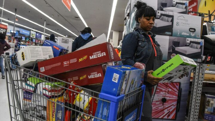 Holiday shoppers urged not to wait, as inventory shortages predicted