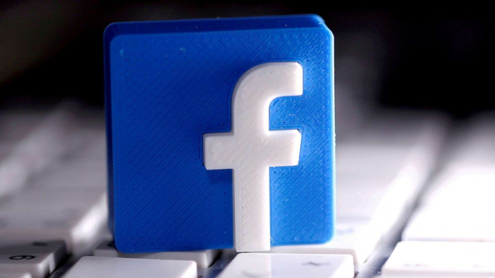 Facebook, Instagram and WhatsApp down for users across US
